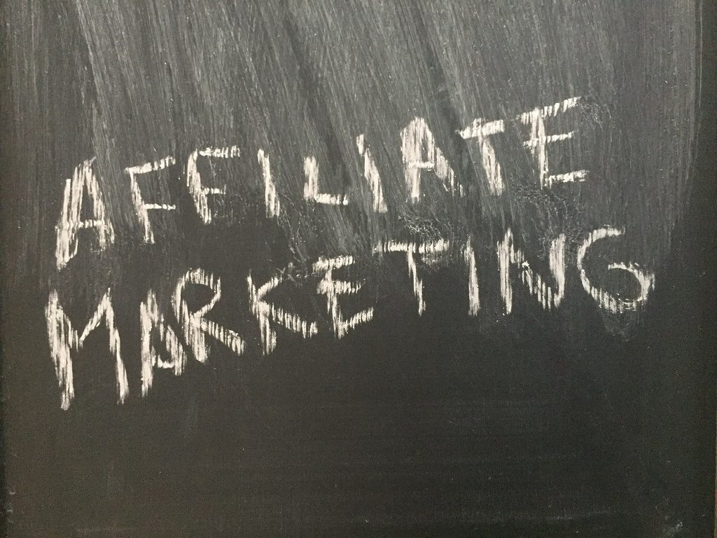 picture of affiliate marketing on chalkboard
